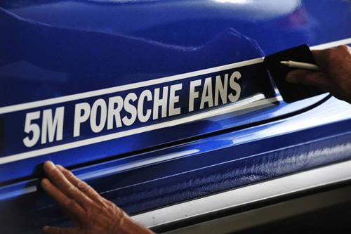 porsche-facebook